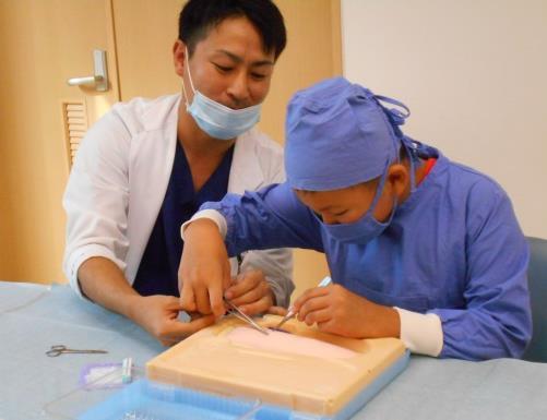 小・中学生を対象に病院での職業体験を実施 大阪狭山市の青少年指導員会・PTA連絡協議会と協力し、地域の職業教育に貢献