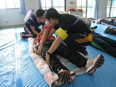 災害看護を実践的に学ぶ『災害訓練』を実施 看護専門学校生240人が参加 9/3(土)附属看護専門学校にて