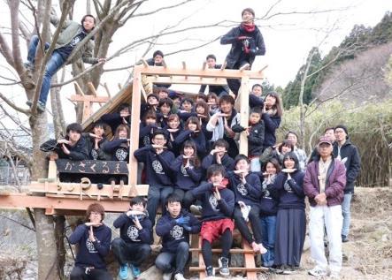 建築学部生がツリーハウス「かざぐるま」建設 5月4日(木)お披露目会を開催