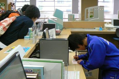 2/3(水)~5(金)地元中学生が近畿大学工学部で職場体験!~「職場」としての「大学」を見てみよう~