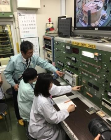 近畿大学原子炉で海外技術者向け研修実施 アジア8カ国の技術者が原子炉運転実習