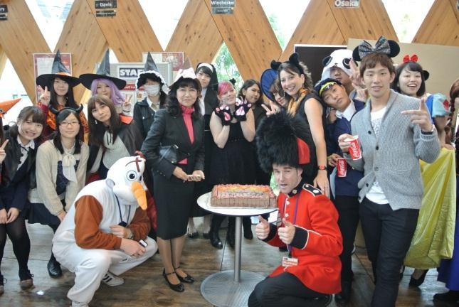 10/30(金)入場者 92万人突破! 9周年記念&ハロウィンパーティー開催 近畿大学英語村 E3[e-cube]