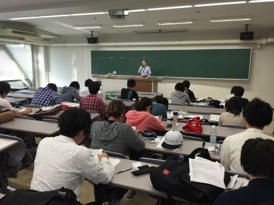 11/11(水)近畿大学短期大学部1年生対象 第1回編入学ガイダンス開催 4年制大学への編入学を希望する学生を支援