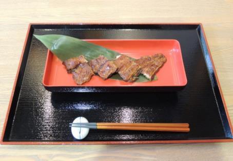 近畿大学農学部の研究成果「近大発ナマズ」丼を学生に提供 熊本地震の復興支援として熊本県産米を使用