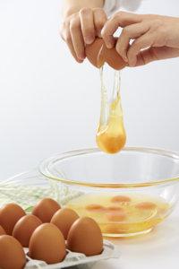 1/7(木)発売 低コレステロールを実現した「近の鶏卵(きんのけいらん)」を共同開発 近畿大学薬学部と東大阪の町工場がコラボ