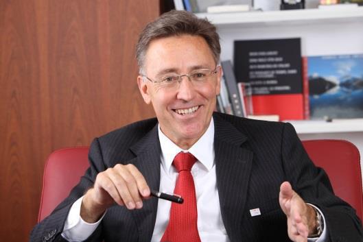 スイス駐日大使の講演会を開催 国際学部開設にあわせて大学全体のグローバル化を推進 近畿大学