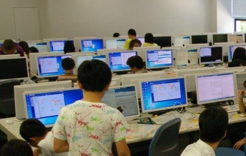 動くロボット製作を通じて、情報科学の面白さを体験! 7/31(日)「小中学生のための情報科学教室」東大阪キャンパスにて
