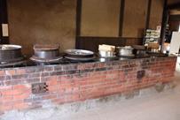 明治時代から伝わる伝統の大釜で七草粥を 新年を味わうイベントで、東大阪市指定文化財の旧河澄家をPR
