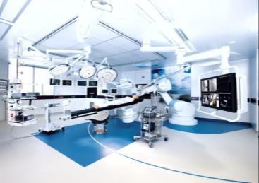 医療従事者向け「ハイブリッド手術室」見学会を開催 より高度で精密、そして患者様に負担のない手術へ 近畿大学医学部附属病院<br />