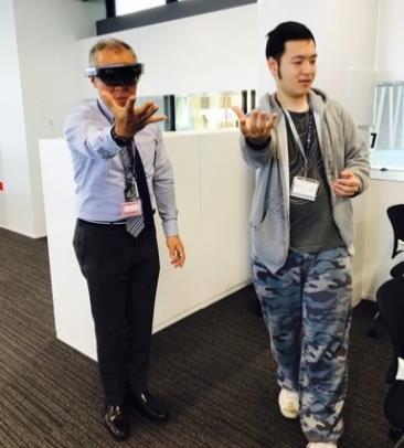 話題のHoloLensで未来のビジネスを考える Mixed Reality(複合現実)を使った課題解決を学生が提案
