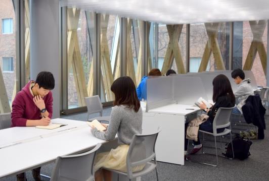 東大阪キャンパス新エリア「ACADEMIC THEATER」 自習室の座席予約等をスマホアプリで管理 女性専用室を含む24時間利用可能な自習室のセキュリティ強化にも活用