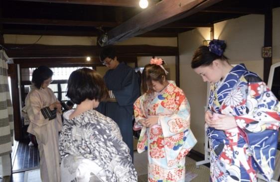 「英語で学ぶゆかた着付け教室」開催 ~留学先で日本文化を伝えるために~