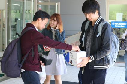 学生による献血&復興支援募金を実施 熊本地震復興支援に、学園祭の売上金の一部も寄付