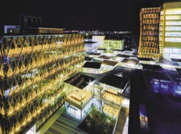 東大阪キャンパス「ACADEMIC THEATER(アカデミックシアター)」にて開催 学生ボランティア主催 お泊り企画「夜の図書館」