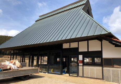 建築を学ぶ学生が、漆喰で古民家の蔵を再生 近畿大学工学部 空家古民家再生プロジェクト