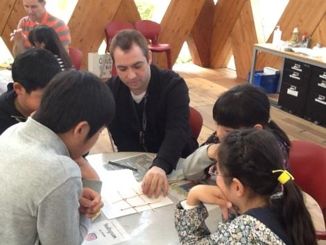 小学生対象 英語を学ぶ「学びングキャンパス」実施 楽しみながら英語を身につける体験型プログラム