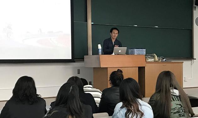 フォトジャーナリスト渋谷敦志氏が来校 講演会「〈ボーダー〉から現代世界を考える」