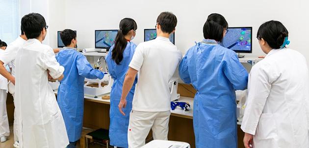 高校生対象の医療体験セミナーを開催 外科医主導の職業体験で医療を身近に