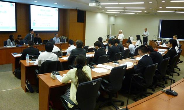 「外国人法曹との研修会」開催 国際交流を通じて相互理解を深め、国際感覚を身につける