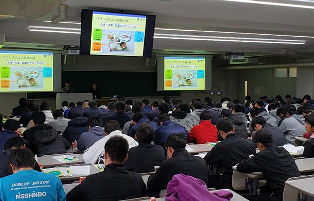 大阪府×近畿大学「健康キャンパスプロジェクト」 歯の健康・食と栄養・運動をテーマにした講演会を開催