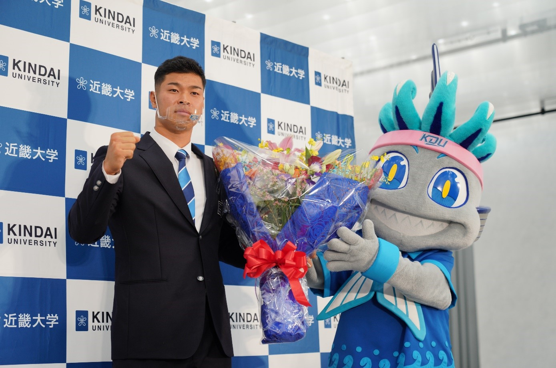 プロ野球ドラフト会議 硬式野球部 佐藤 輝明選手 4球団から1位指名を受け、阪神タイガースが交渉権を獲得