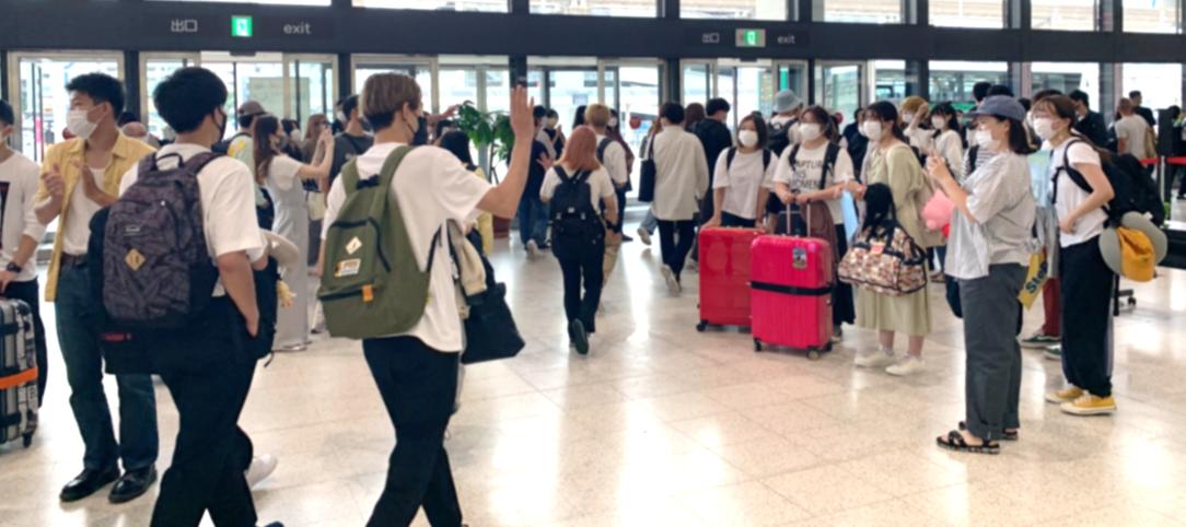 国際学部グローバル専攻 留学プログラム再開 コロナ禍以降2年ぶり、約160人が米国留学へ出発!