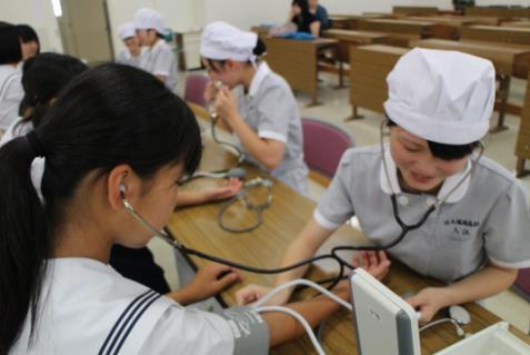 7/30(土)「平成28年度オープンキャンパス」開催 看護科ではナースのお仕事体験授業を実施! 附属福岡高等学校