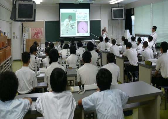 小・中学生対象「体験授業」や近畿大学工学部ブースも 中高大連携 盛りだくさんのオープンスクール 近畿大学附属広島高等学校・中学校東広島校