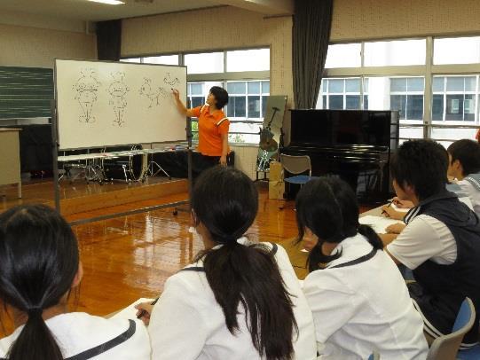 近畿大学九州短期大学 オープンキャンパス開催 「病院窓口の受付」や「歌かるたあそび」を体験しよう