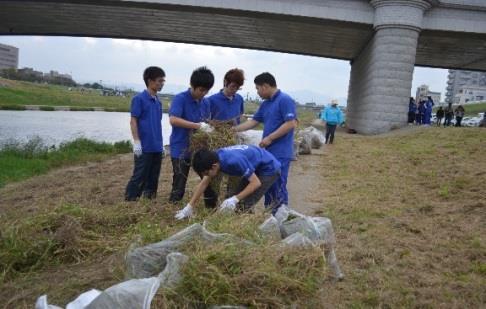 清掃活動「第30回I L0VE 遠賀川」に参加 ~地元協力団体として地域の環境作りに協力~