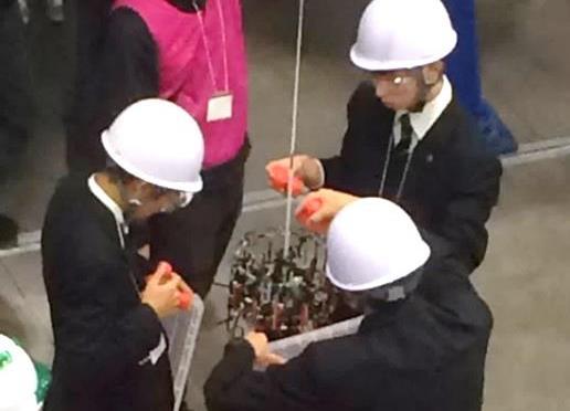 ロボット同好会が豊岡市長を表敬訪問し優勝報告 宇宙エレベーターロボット競技会全国大会 中高生初級部門 優勝