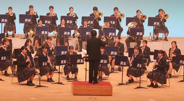 第35回吹奏楽部定期演奏会 高校生のダイナミックなマーチングステージ