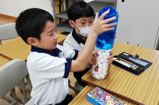 触れて・考えて・理解する「お薬教室」を開催 小学生が薬の疑問を解決!