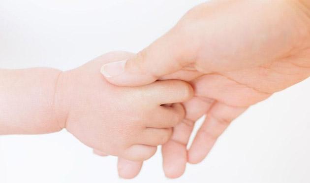 「赤ちゃん先生プロジェクト」を実施 赤ちゃんとふれあい「生命」への感謝、喜びを体感