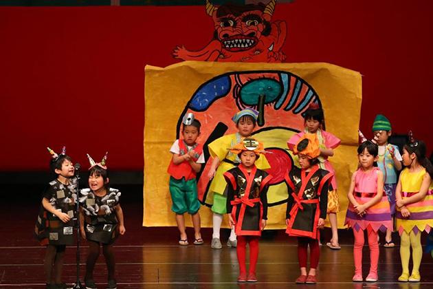 園児の表現活動成果を披露する「生活発表会」を開催 劇やオペレッタを通して自尊心を育む